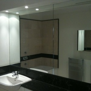 Bathroom mirror repairs london