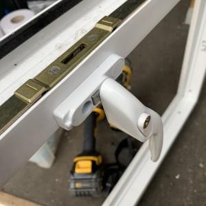 Window Locking Mechanism SW20